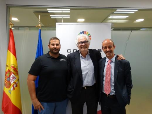 De izquierda a derecha, David Bernabeu, Director General de CITIBOX, José Luís Curbelo, Presidente de COFIDES y Javier del Río, CEO de CFI